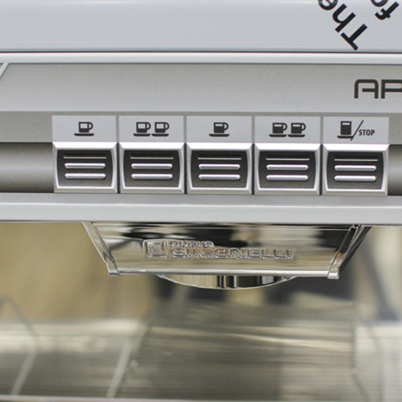Hệ thống nút bấm nhạy bén trên máy pha cà phê Nouva Simonelli Apia II